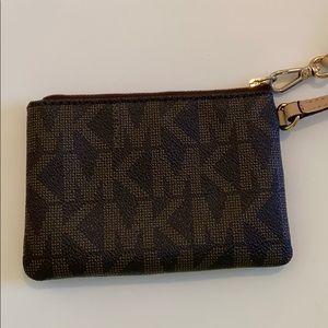 Michael Kors Bags - Michael Kors Wristlet!!